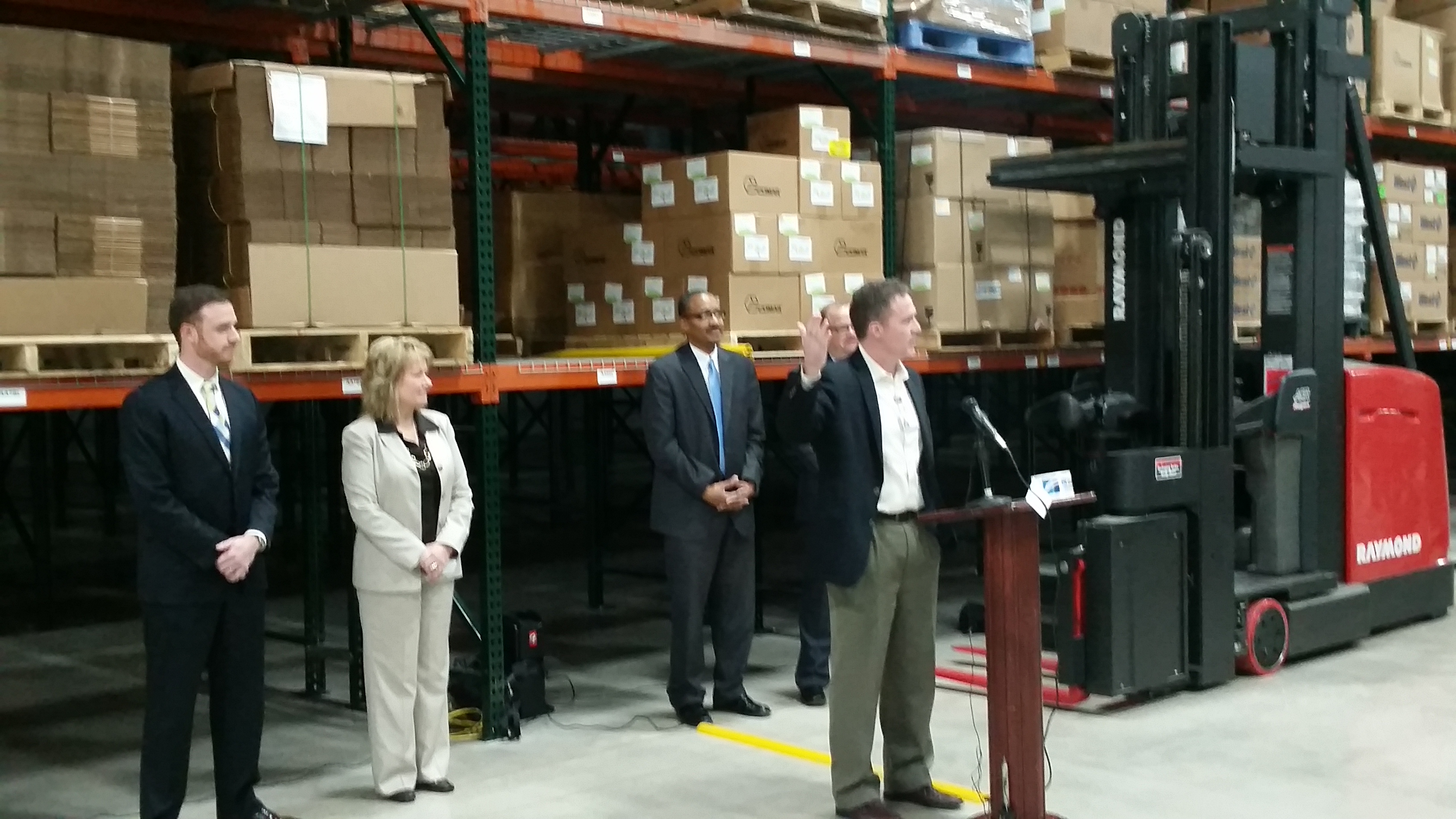 Akorn Celebrates New Expansion & Warehouse with Chamber